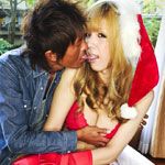 Noa iijima.  It's not quite Christmas yet, but I do have a tasty holiday treat for you to enjoy! Noa Iijima is dressed as a ho-ho-ho and her boy toy loves it!
